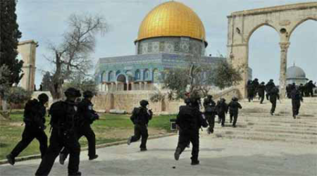 Israel police enter Islam holy place to root out Palestinianprotesters