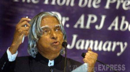 Bollywood bids 'salaam' to 'true Bharat Ratna' APJ Abdul Kalam