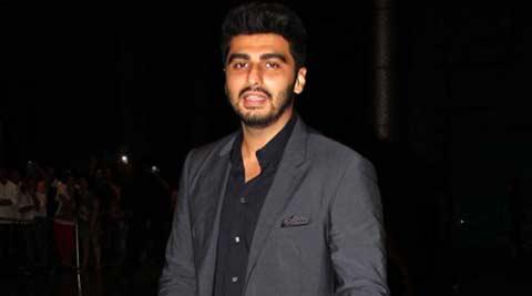Arjun Kapoor celebrates 1.5 mn plus Twitterati with selfie