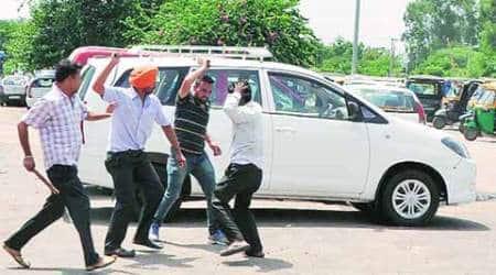Auto drivers, cab staff clash at railwaystation