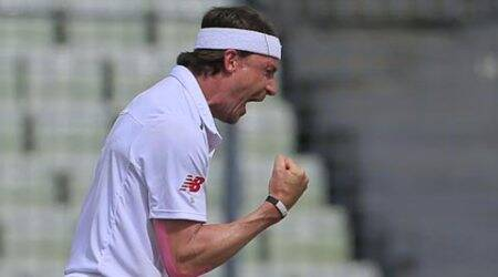 Day 1: Steyn races to 400, Bangladesh limp past 200
