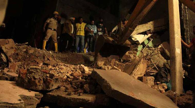 delhi building collapse, new delhi, delhi, delhi building collapse, New delhi, National Disaster Response Force, delhi building collapse, building collapse, delhi fire brigade, delhi police, delhi news, india news