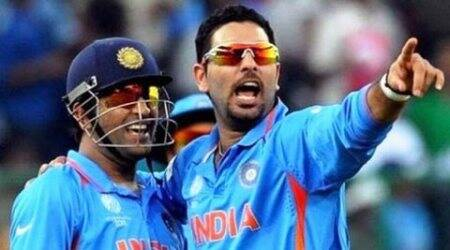 Yuvraj Singh wishes 'Mahi', shares an old picture