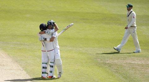 Ashes 2015: England beat Australia by eight wickets, take 2-1 lead