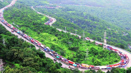 Mumbai-Pune expressway: Soon, crash-proof ropes, toilets to be installed