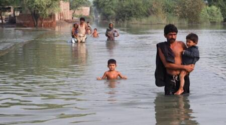 Pakistan: 15 people killed in storm and flashfloods