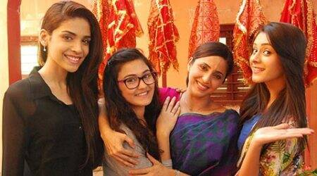 Gautami Kapoor hosts surprise dinner for 'Tere Sheher Mein' cast