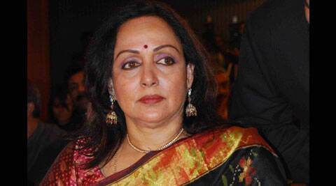 hema malini, hema malini accident, hema malini news, hema malini road accident, hema malini health, jaipur hema malini accident, Dausa hema malini accident, hema malini injured, hema malini hospital, hema malini mercedes accident, hema malini news, entertainment news