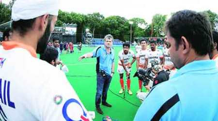 Hockey to continue its Dutch affair
