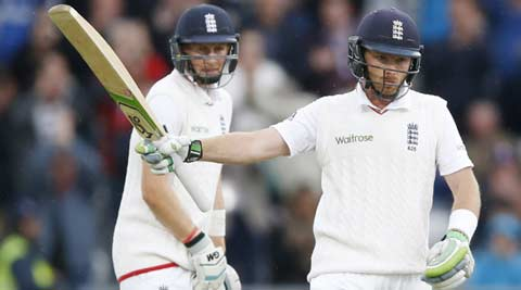 Ashes 2015: Batsmen give England chance to take big lead on Day 2