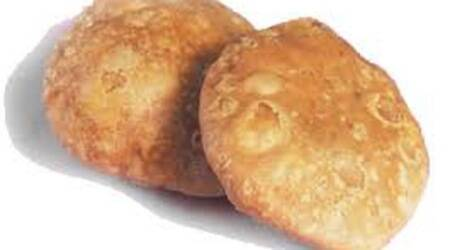 Dahod district officials direct vendors to reduce price of famous kachori by Re1