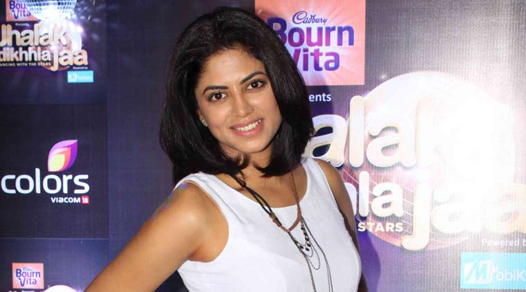 """Kavita Kaushik, best known for her role of a tough female cop Chandramukhi Chautala in comedy sitcom """"FIR"""", says she does not want to to compromise her TV career to get into films. (Source: Varinder Chawla)"""