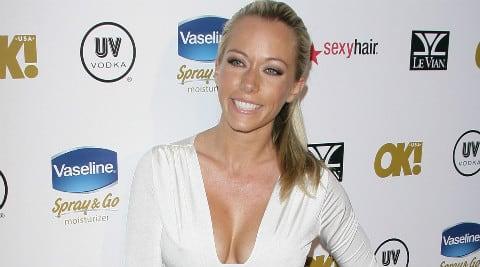 kendra wilkinson lesbisk sex ebony escort sex
