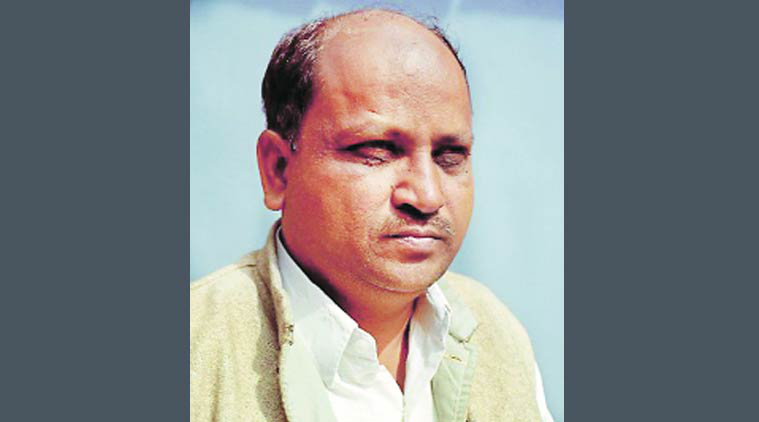 farm activist, kishore tiwari, farm activist critic, farm critic, govt critic, Devendra fadnavis, mumbai news, Indian Expre