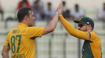 Bowlers lift South Africa to 31-run win over Bangladesh