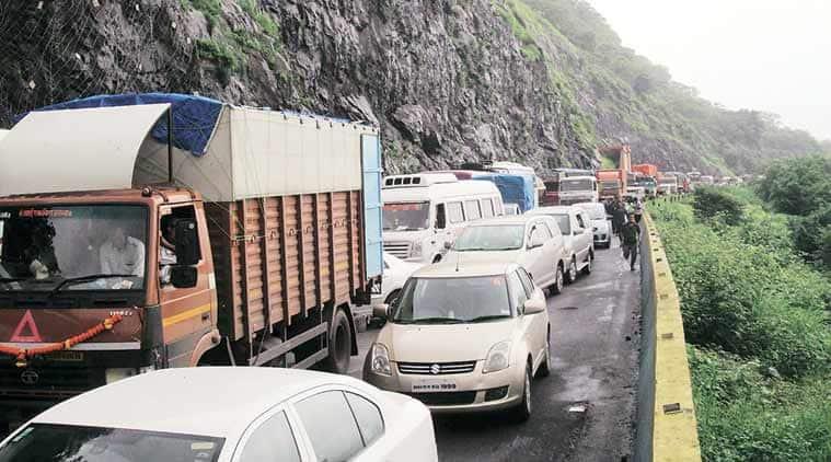 pune mumbai expressway, pune expressway landslide, mumbai expressway landslide, landslide, pune news, mumbai news, india news