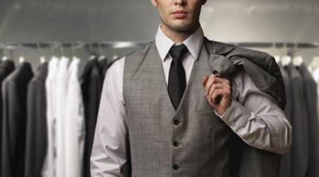 A carefully chosen accessory adds an extra ounce of chicness to your outfit and boosts your appearance. Play around with your tie, use clips to break the monotony. Pocket squares are always neglected, but make them a part of your requisites when wearing a blazer or a suit. (Source: Thinkstock Images)