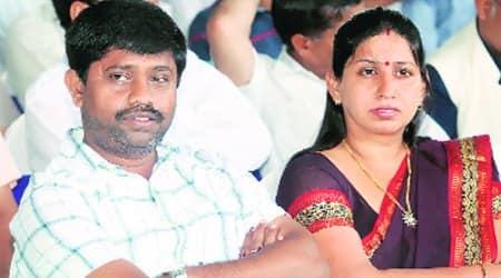 UP minister calls Mayawati Surpanakha, Mulayam Ravan
