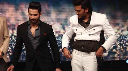 Riteish Deshmukh's lavani with Shahid Kapoor on 'Jhalak Dikhhla Jaa'