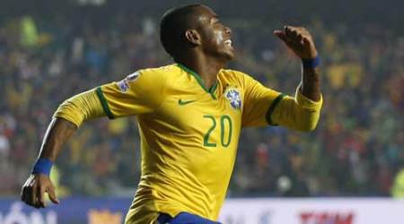 Robinho set to leave Santos for Chinese side Guangzhou Evergrande