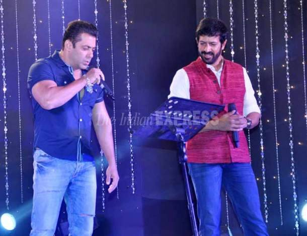 salman khan, bajrangi bhaijaan, salman khan pics, aaj ki party meri taraf se, salman in aaj ki party, kareena kapoor khan, kabir khan, mika singh, pritam, salman pics, salman khan pictures, entertainment news