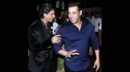 Salman Khan to hold 'Bajrangi Bhaijaan' for Shah Rukh Khan