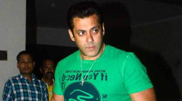 salman khan, salman khan bajrangi bhaijaan, Bajrangi bhaijaan, bajrangi bhaijaan Review, bajrangi bhaijaan movie Review, salman khan bajrangi bhaijaan, kareena kapoor khan bajrangi bhaijaan, Review of bajrangi bhaijaan, Salman Khan bajrangi bhaijaan eid, bajrangi bhaijaan movie Review eid, salman khan bajrangi bhaijaan review, nawazuddin siddiqui, kabir khan, entertainment news