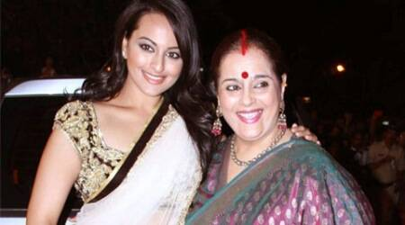 Poonam Sinha surprises Sonakshi Sinha on 'Indian Idol Junior' set