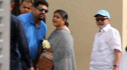 Shahid Kapoor's parents arrive in Delhi