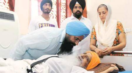 Khalsa back in hospital, police say son stopped docs at doorstep
