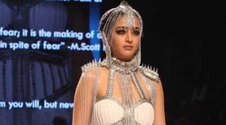 Rina Dhaka wants Akshara Haasan to walk ramp for Bridalshow