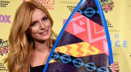 Frenemies actress Bella Thorne takes selfies before red carpet