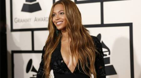 Beyonce Knowles, Beyonce, Singer Beyonce Knowles, Beyonce Wardrobe Malfunction, Beyonce Knowles Wardrobe Malfuntion, Beyonce Wardrobe Slip, Beyonce Knowles Wardrobe mishap, Beyonce Knowles suffers wardrobe malfunction, Entertainment news