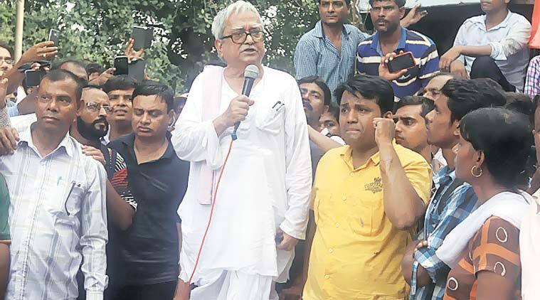 biman bose, west bengal, cpm, cpm, cpm clash, cpm protest, kolkata clash, kolkata cpm clash, kolkata cpm protest, biman bose, biman bose injured, kolkata news, india news