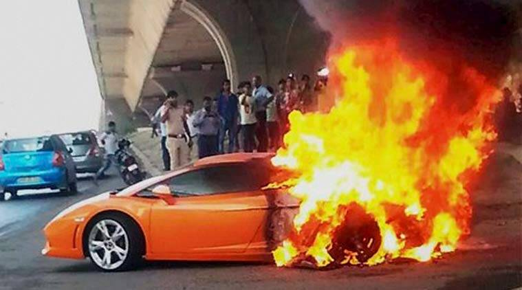 Video Rs 2 7 Crore Lamborghini Gallardo Catches Fire In Delhi Driver Escapes Unhurt The