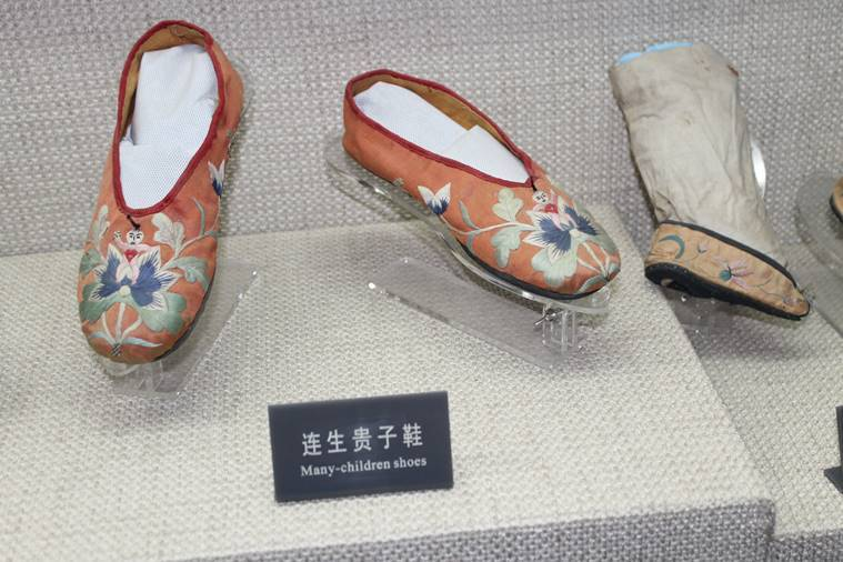 Shoes for more offspring at the shoe museum, Tianjin