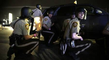 Shots fired in Ferguson amid standoff between police,protesters