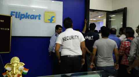 Striking logistics staff barge into Flipkart's office, threaten to make protest violent