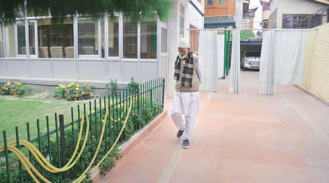 A day in the life of Kashmiri separatist Syed Ali Shah Geelani, under house arrest
