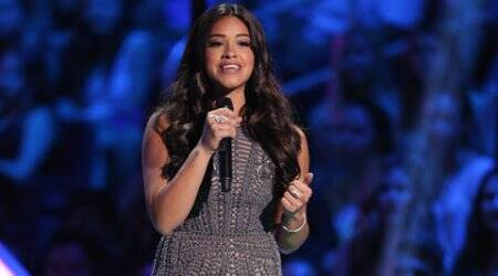 Gina Rodriguez shows off rapping skills during awards show
