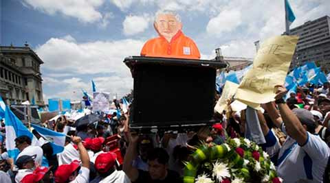 Guatemalan prosecutors urge president to resign amid scandal