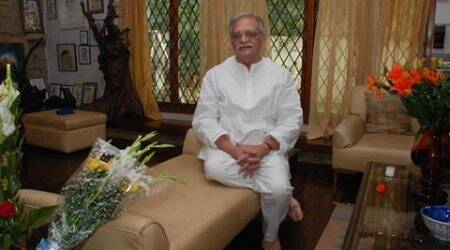 Gulzar pitches for inclusion of Mahabharat in education system