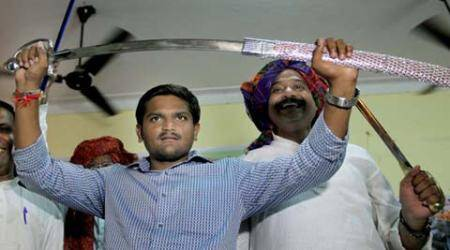 Hardik Patel faces opposition from a Gujjar faction during felicitation in Delhi