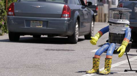 After two weeks, hitchhiking robot's cross-country US trip ends in Philadelphia