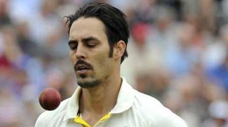 Ashes 2015 bouncer has Mitchell Johnson hitting reporter out of the park, on Twitter