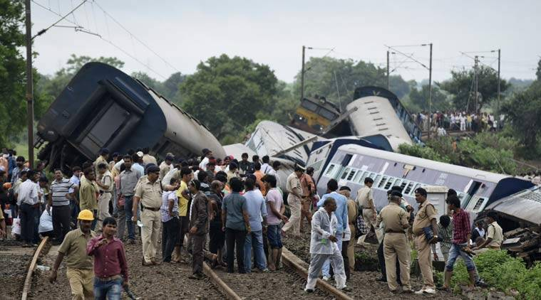 train derailment, MP train accident, Kamayani Express, train accident Survivors,  MP train accident Survivor,  train derailment Survivors, Train Accident MP, train accident, Madhya Pradesh train accident, MP train derailed, Janata Express,  Passenger trains Derailed, Varanasi-Mumbai Train, Varanasi-Mumbai Train Accident, suresh prabhu, Varanasi-Mumbai Train Derailed, Indian Railways
