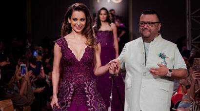 'Queen' Kangana Ranaut dazzles on ramp at AICW 2015