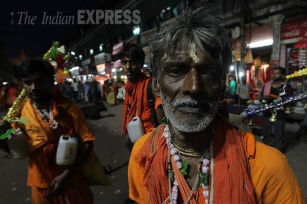 Kanwar Yatra, Maha Shivratri, Lord Shiva, Kanwariyas, Kanwar Yatra 2015, Shiva Devotees, Varanasi, Kashi Vishwanath, Baidyanath, Devghar, Haridwar, Gaumukh, Gangotri, Uttarakhand, Sultanganj, Dashashwamedh