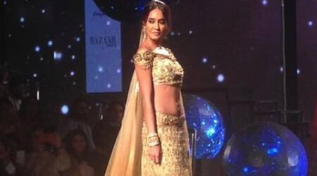 Lisa Haydon dazzles IBFW stage for Tarun Tahiliani
