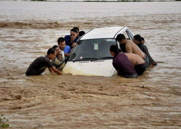 Manipur, Manipur Floods, manipur Landslide, Imphal Floods, Kolkata Floods, Odisha Floods, Bengal Floods, Floods in Manipur, Landslide in Manipur, Heavy rainfall in Manipur, 20 killed in Manipur, 20 Killed in manipur Landslide, india News